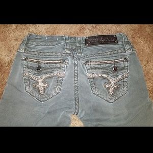 Rock revivals size 25